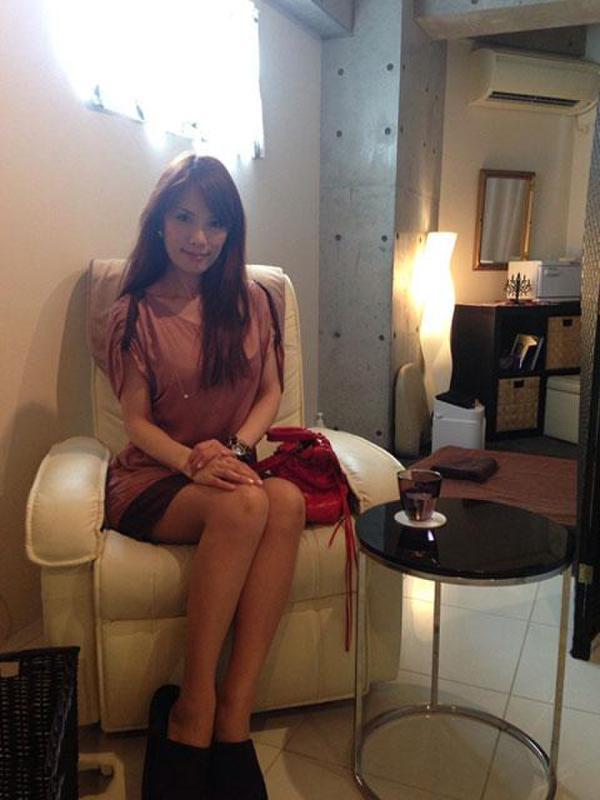 新华网重庆频道 > 正文   近日,日本美女井上和子在网络上爆红,她现年图片
