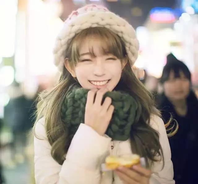 王思聪太饥渴 最近爱上韩国嫩模yurisa 新华网