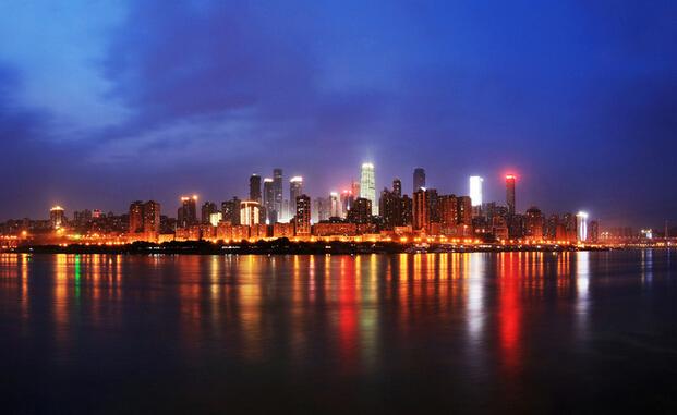 以渝中半岛半岛为例,升级后的夜景从朝天门一直延伸到大坪等区图片