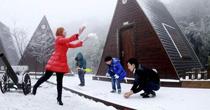 重慶多個景區迎來今年首場降雪