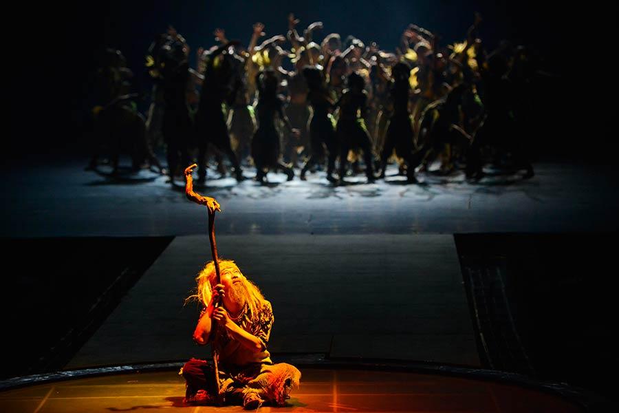 实拍大型歌舞剧《天上黄水》 感受土家风情