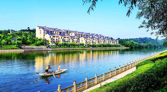 龍溪河畔風光好