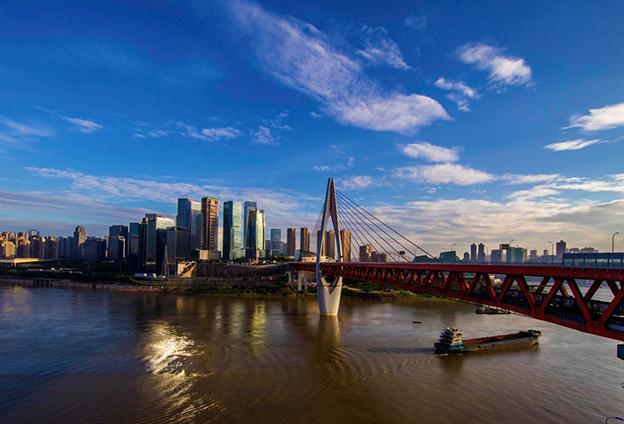 重慶的制造業越來越集中,半成品加工後送到其他地區有一定的物流有優勢