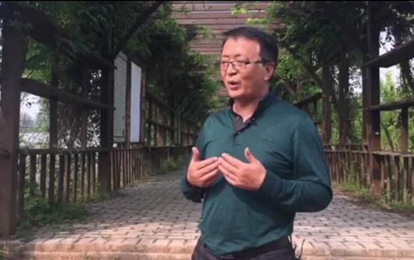 重慶科光潼農種苗有限公司經理馬健介紹企業情況