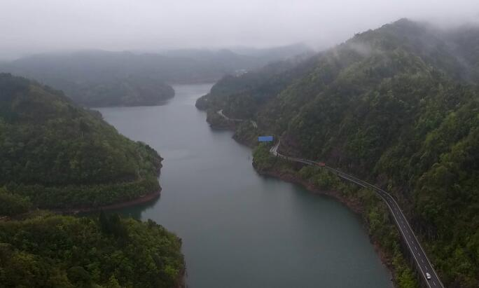 航拍萬勝壩村太陽湖風光