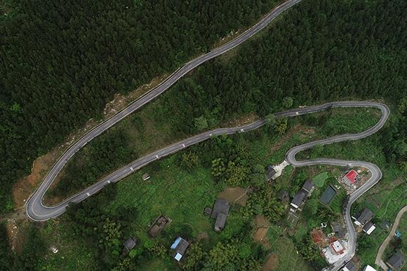 航拍齊聖村鄉村公路