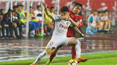 重庆斯威雨中鏖战0:1负于天津权健