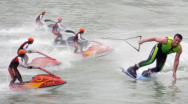 2018中国摩托艇联赛重庆彭水站开赛