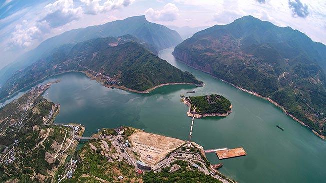 """【""""飞阅""""中国】十张航拍图带你领略瞿塘峡的美"""