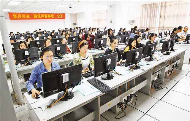 今年重慶高考73萬余份試卷 1199名教師參與閱卷