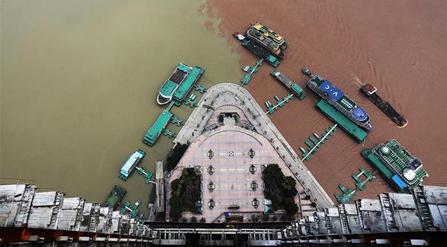 重慶在建第一高樓主體封頂