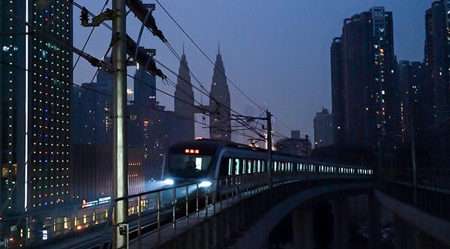重慶海棠溪地鐵站走紅 酷似漫畫中夢幻場景