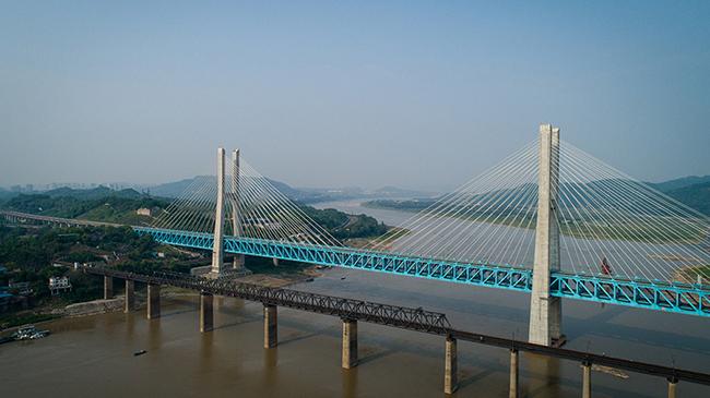重慶首座長江大橋的最後一班崗