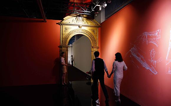 展廳入口的歐式門頭,是從意大利貝利尼博物館拆過來的