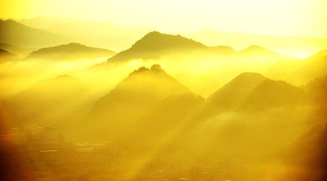 大美視角!重慶金銀山國家森林公園晨霧之光