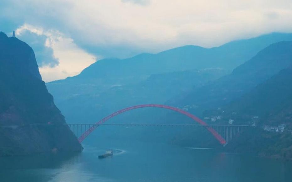 飛閱生態美顏後的長江上遊最美岸線