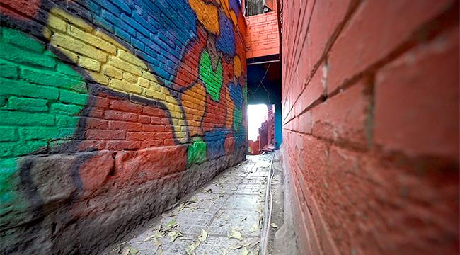 打卡馬卡龍色小巷 隱藏在重慶老街的童話世界