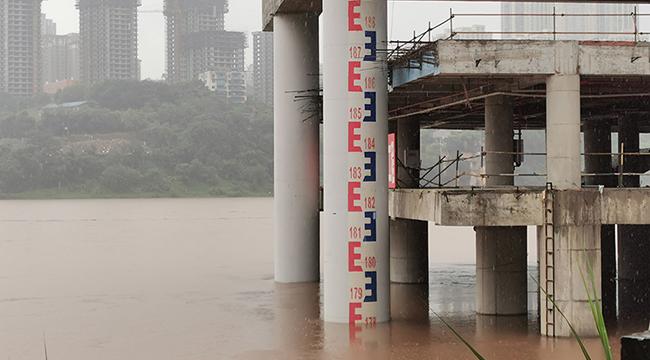 重慶沙坪壩洪峰過境 沿江險段全天候值守