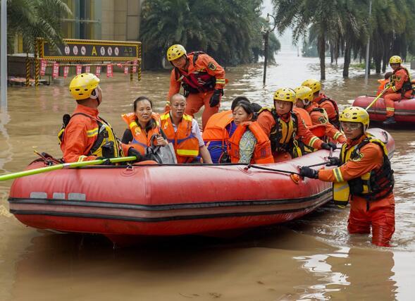 築起防大汛的堅強防線——重慶防禦長江、嘉陵江過境洪峰現場記錄