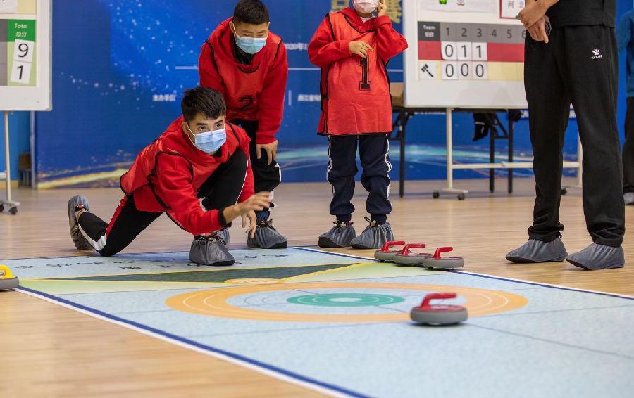 全國殘疾人旱地冰壺比賽重慶隊智力組衛冕成功